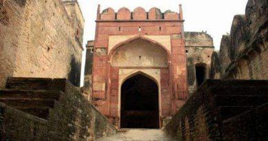जानिए खूनी दरवाजे बाला अटेर का किला , जो चंबल नदी के किनारें बीहड़ों के बीच में स्थित है